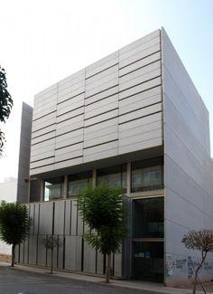 Nuevo Centro Servef de Empleo de Novelda (Alicante) realizado por José Ramón Manuel Enguídanos, Jesús Navarro Morcillo y Carlos Calatayud Revert.