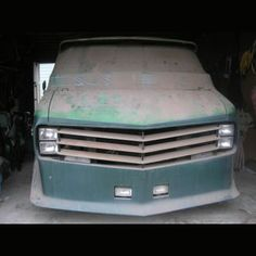 Barn find! Apotheosis was built by Graham Oat's of Graham Enterprise, builder of also famous Gladiator van. It was stored at this garage in 82'. Featured in Truckin magazine of Sept 1980 and Petersen's Pickups & Vans in 76.