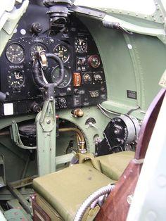 Photo-8-Spitfire-Cockpit.jpg (700×933)