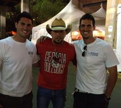 Jason Aldean and Aaron and Josh Murray.... Go Dawgs