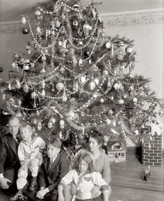 vintage everyday: Vintage Christmas Photographs Predating 1920