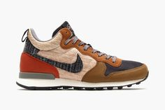 In honor of Japan's upcoming Ekiden race championship ceremony to be held January Nike is set to release two new pairs of their Nike Internationalist Mid sneakers. Design inspiration for both pairs. Mode Shoes, Shoes Sandals, Shoes Sneakers, Sneakers Design, Adidas Shoes, Nike Internationalist, Fashion Shoes, Mens Fashion, Sneaker Games