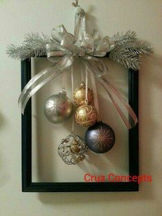 60 DIY Picture Frame Christmas Wreath Ideas that totally fits your Budget - Hike. 60 DIY Picture Frame Christmas Wreath Ideas that totally fits your Budget - Hike n Dip Christmas Frames, Noel Christmas, Rustic Christmas, Simple Christmas, Christmas Wreaths, Handmade Christmas, Easy Christmas Ornaments, Ornaments Ideas, Christmas Front Doors