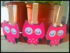 Owl themed baby shower clothespins game.