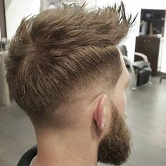 nice Charming Quiff Hairstyle Designs - New In 2016 Quiff Haircut, Quiff Hairstyles, My Hairstyle, Cool Hairstyles, Mens Haircuts Short Hair, Modern Haircuts, Hair And Beard Styles, Short Hair Styles, Modern Quiff