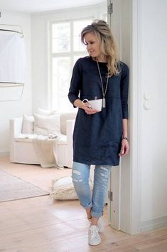 Linen Tunic Dress, Linen Dresses, Women's Tunic Dresses, Navy Tunic, Dresses With Leggings, Mode Cool, Tunic Sewing Patterns, Womens Linen Clothing, Tunic Designs