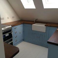 Blue Shaker Kitchen, Shaker Kitchen Cabinets, Kitchen Cupboard Doors, Kitchen Worktop, Kitchen Units, Repainted Kitchen Cabinets, Aga Kitchen, Kitchen Ideas, Funky Kitchen