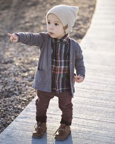FALLing in love with this fall outfit feature our elbow patch cardigan. Source by orcaslucille cutewe are FALLing in love with this fall outfit feature our elbow patch cardigan. Source by orcaslucille cute Would love this Black Beanie in small! Boys Fall Fashion, Toddler Boy Fashion, Little Boy Fashion, Toddler Boy Outfits, Toddler Boys, Toddler Boy Style, Baby Boy Style, Kids Style Boys, Fashion Children
