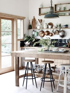 Kitchen Interior Design - Farmhouse Kitchen Inspiration - Pursue your dreams of the perfect Scandinavian style home with these inspiring Nordic apartment designs. Rustic Kitchen, Country Kitchen, New Kitchen, Vintage Kitchen, Kitchen Dining, Kitchen Decor, Eclectic Kitchen, Kitchen Ideas, Family Kitchen
