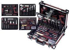 Gut sortiert und umfangreich Mit diesem Koffer verfügen Sie über eine gut sortierte und umfangreiche Werkzeug-Zusammenstellung für anspruchsvolle Hand- und Heimwerker-Arbeiten. Der hochwertige Kraftwerk 3944 Profi-Alu-Werkzeugkoffer enthält alles, was eine vielfältige Werkzeug-Zusammenstellung ausmacht.
