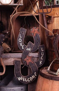Wooden Horseshoes Welcome Sign 30170   Buffalo Trader Online