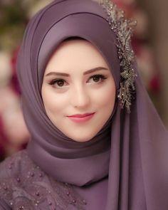 Beautiful Hijab Girl, Beautiful Muslim Women, Hijabi Girl, Girl Hijab, Mode Turban, Muslimah Wedding, Hijab Style Tutorial, Dps For Girls, Stylish Hijab
