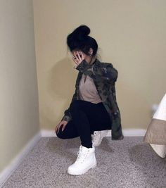 (50/50 & Cold) Girly Tomboy // Camo Jacket, Tan/Nude T-shirt, Black Jeans, White Timberlands