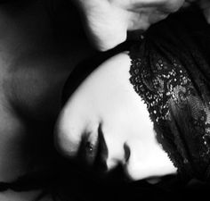 i love the dreamy, hazy look What Dreams May Come, Eyes Wide Shut, She Walks In Beauty, Black And White Photography, Masquerade, Art Photography, Artistic Photography, Blinds, Glamour