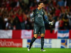 """Sergio Rico of Sevilla FC celebrates after his team mate Victor Machin Perez """"Vitolo"""" scores the first goal during the match between Sevilla FC vs FC Barcelona as part of La Liga at Ramon Sanchez Pizjuan Stadium on November 6, 2016 in Seville, Spain."""