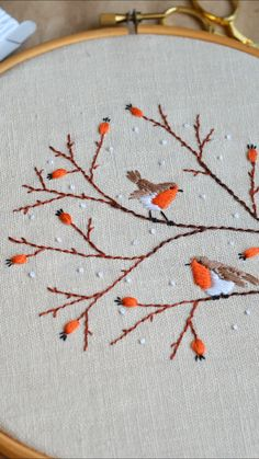 Hand Embroidery Patterns Flowers, Christmas Embroidery Patterns, Hand Embroidery Videos, Embroidery Stitches Tutorial, Embroidery Flowers Pattern, Embroidery Techniques, Diy Clothes Embroidery, Freehand Machine Embroidery, Hand Work Embroidery