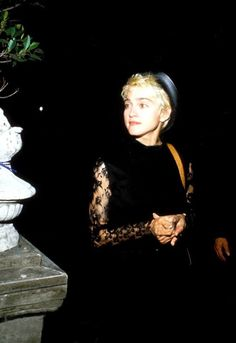 Madonna Madonna Looks, Madonna 80s, Verona, Divas Pop, Michigan, Madonna Pictures, Bae, 80s Trends, Goth Chic