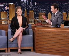 Ronda Rousey talks to host Jimmy Fallon during an appearance on The Tonight Show - Douglas Gorenstein/NBC/NBCU Photo Bank via Getty Images Ronda Rousey Photoshoot, Ronda Rousey Pics, Ronda Jean Rousey, Female Mma Fighters, Ufc Fighters, Rhonda Rousy, Rowdy Ronda, Tonight Show, Jimmy Fallon
