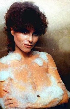 Gorgeous Adrienne Barbeau, famed for her long-running role in the sitcom Maude and many memorable B-movie exploitation films ( Swam. Adrienne Barbeau, Hustler Magazine, Roy Orbison, Sophia Loren, Historical Pictures, Hottest Photos, Beautiful Actresses, Classic Hollywood, Pin Up Girls