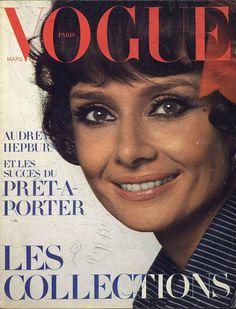 Audrey Hepburn pour le numéro de mars 1971 de Vogue Paris: http://www.vogue.fr/photo/les-couvertures-de/diaporama/le-cinema-en-couverture-de-vogue-paris/7774/image/517016#audrey-hepburn-pour-le-numero-de-mars-1971-de-vogue-paris
