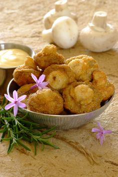 Crispy Mushrooms with a Cheesy Dip! A gorgeous starter for a #Valentine's Day dinner