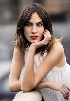 New Womens Hair Fringe Alexa Chung 42 Ideas Alexa Chung Tumblr, Alexa Chung Hair, Alexa Chung Style, Hairstyles With Bangs, Trendy Hairstyles, Jennifer Aniston Hair, Victoria's Secret, Hair Today, Malta