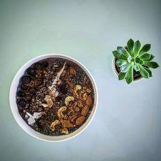 Smoothies With Almond Milk, Best Smoothie Recipes, Vegan Recipes, Vegan Food, Acai Bowl, Blueberry, Avocado, Syrup, Breakfast