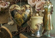 Creations in baroque - glamour style with gilding, crackle, mirror effect and mold ornaments