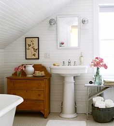 bathroom I'd never leave my bathroom if it looked like this! Bathroom design idea - Home and Garden Design Ideas love this cottage bathroom . Attic Bathroom, Bathroom Interior, White Bathroom, Classic Bathroom, Bathroom Modern, Cozy Bathroom, French Bathroom, Bathroom Green, Light Bathroom