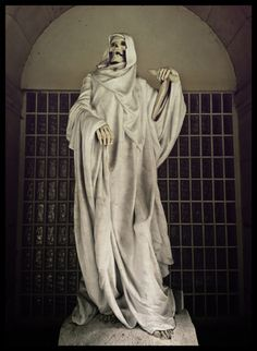 statue of death: paris