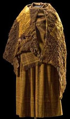 Huldremose Woman 100s BC. (Iron Age body and clothing recovered from a peat bog).  Denmark National Museum.