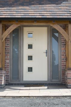 We supply and install high-quality Solidor composite doors across Stockport, Manchester and Cheshire. Call or visit Alexander Windows today for best offers. Modern Entrance Door, Modern Front Door, Entrance Doors, Front Door Colors, Front Door Decor, Solidor Door, Composite Front Door, Back Doors, Internal Doors