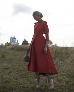 The perfect red: Ulyana Sergeenko Couture archive shooting #ulyanasergeenko #ulyanasergeenkodress #couture #style #fashion #beauty #ульянасергеенко