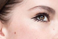best-liquid-felt-tip-eyeliner-liner-8 #MakeupTutorialEyeliner #SimpleEyeliner Felt Tip Eyeliner, Makeup Tutorial Eyeliner, Simple Eyeliner, Eyeliner Looks, How To Apply Eyeliner, Eye Makeup Tips, Top Eyeliner, Eyeliner Ideas, Eyeliner Makeup