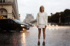 Paris in the rain. So romantic! From The Sartorialist