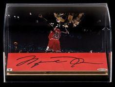 MICHAEL JORDAN Signed GU 98' Floor Piece Display UDA