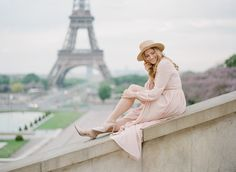 An early morning portrait session in the heart of Paris