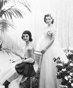 Cecil Beaton portrait of Jackie Bouvier and her sister Lee