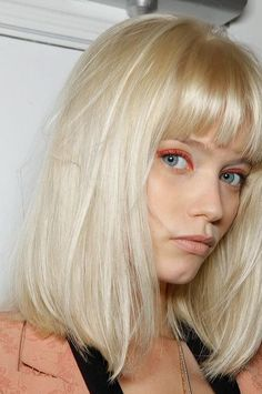 34 platinum blonde hair shades and highlights for 2019 17 Blonde hair models – Hair Models-Hair Styles Blonde Bob With Fringe, Blonde Hair With Bangs, Blonde Hair Shades, Lob Fringe, Medium Hair Styles, Short Hair Styles, Blonder Bob, Corte Bob, Hair Styler