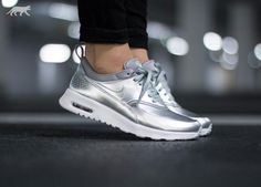 The Air Max Thea you know and love is back and and more glam than ever on the latest model, the Women's Nike Air Max Thea Metallic. Featuring a metallic upper and plenty of low-key comfort, this Thea is sure to become your go-to pair when you want a little dash of glitz. | eBay!