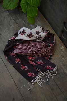 Hand-spun and hand woven Khadi scarf with doodled hand block print by metaphorracha