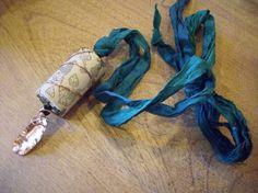 Put a Wine Cork In It Pendant . interesting on the silk ribbon Green Sari, Teal Green, Silk Ribbon, Silk Fabric, Wine Cork Jewelry, Cork Ideas, Ways To Recycle, Craft Club, Sari Silk