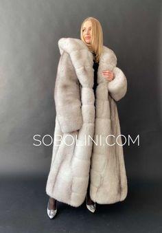 White Fox, Blue And White, Fabulous Fox, Fox Fur Coat, Fur Fashion, Mantel, Mink Coats, How To Wear, Jackets