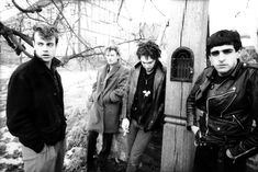 80' UK new wave, post-punk Download mp3 TESTO, LYRICS: We must play our lives like soldiers in the field The life is short I'm running faster all the time