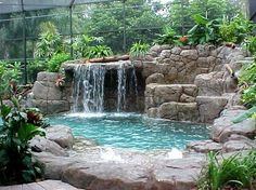 This is the kind of pool I would love to be in during the summer!
