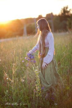 In the Meadow | von loretoidas Belle Photo, Countryside, Fields Of Gold, Peaceful Places, Field Of Dreams, Champs, Life Is Beautiful, Wild Flowers, Country Girls