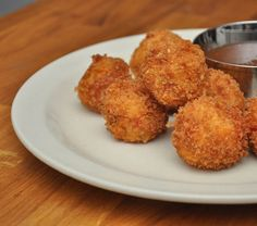 Pimento Cheese Fritters with Green Tomato Jam - Poogan's Porch - Charleston, SC Appetizer Dips, Yummy Appetizers, Appetizer Recipes, Snack Recipes, Cooking Recipes, Snacks, Charleston Cheese Dips, Charleston Sc, Green Tomato Jam Recipe