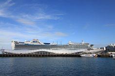 side view Golden Princess Auckland NZ