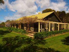 Icena Accommodation, a Binalong Bay Cottage | Stayz