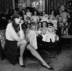 Jean Shrimpton, an icon of Swinging London; considered to be one of the world's first supermodels. Jean Shrimpton, Swinging London, Terry O Neill, Steve Mcqueen, 1960s Fashion, Vintage Fashion, Helloween Party, Colleen Corby, Look Jean